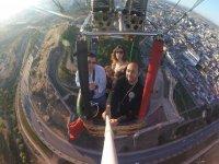 Sobrevolando el casco urbano en globo