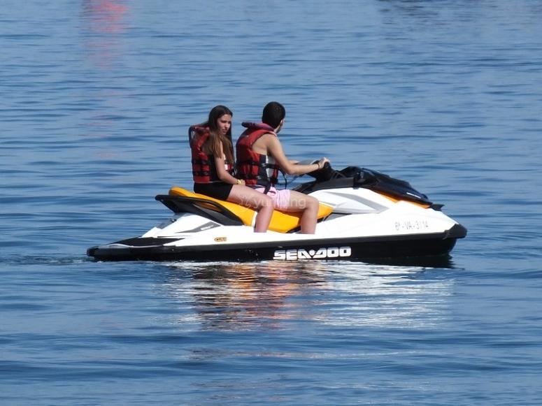 A bordo de una moto de agua