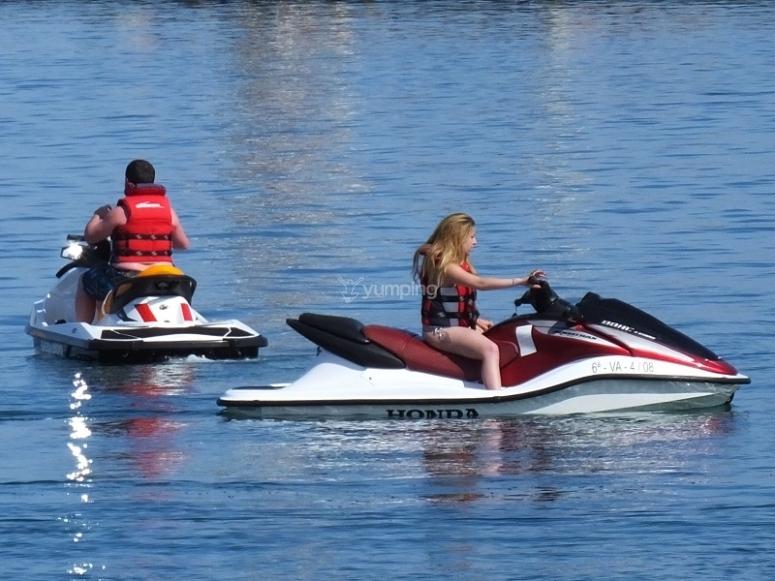 Recorrido en motos de agua