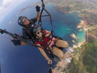 Vuelo en parapente biplaza en Menorca 30 minutos