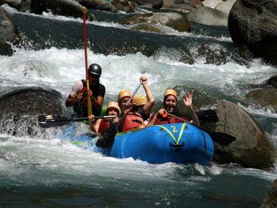Avalancha Montañas y Barrancos Rafting