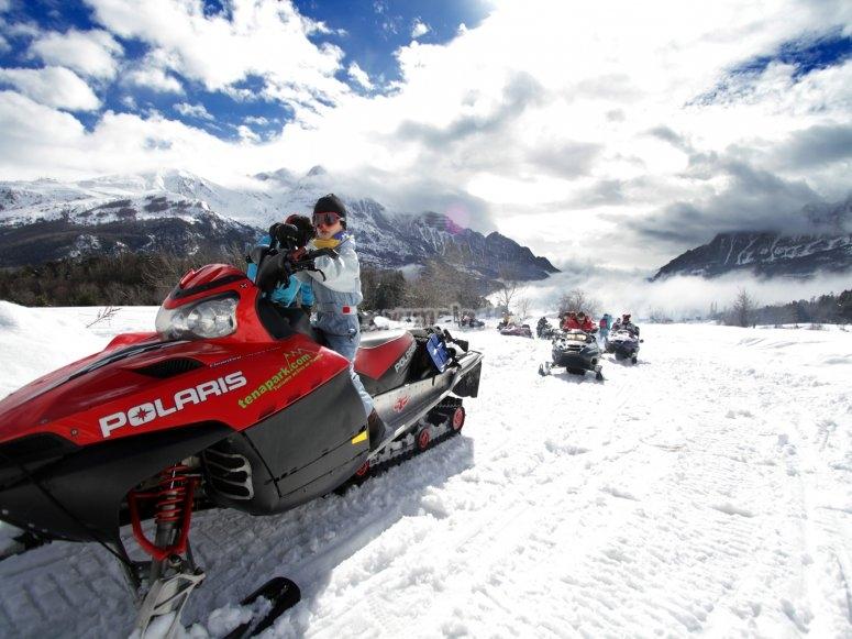 Paseo en moto de nieve
