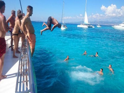 Attraction Catamarans