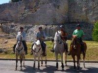 Oferta Ruta a caballo 3h+Visita Cavas Torreblanca+Comida