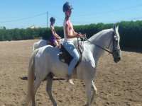 Montando a caballo