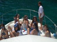 蟹gorritos Desdedida少女在甲板上