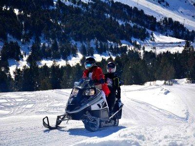 Tour moto de nieve doble Grandvalira 30 minutos