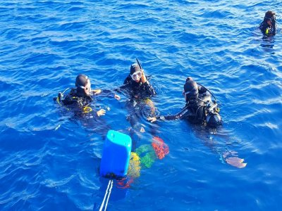 Battesimo d'immersione sulla costa di Puerto del Carmen