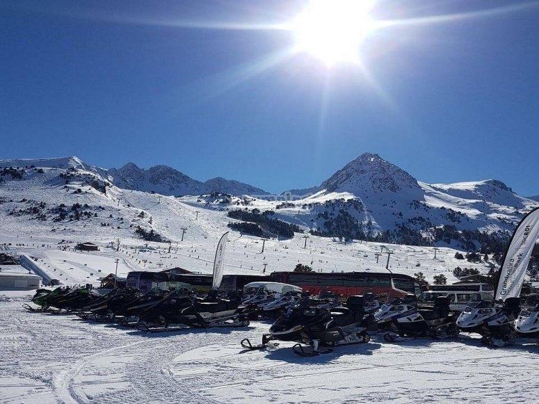 Nuestra flota de motos de nieve en Grandvalira