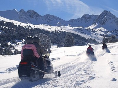 1 h riding a tandem snowmobile in Grandvalira