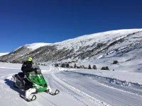 El placer de la nieve en moto por Andorra
