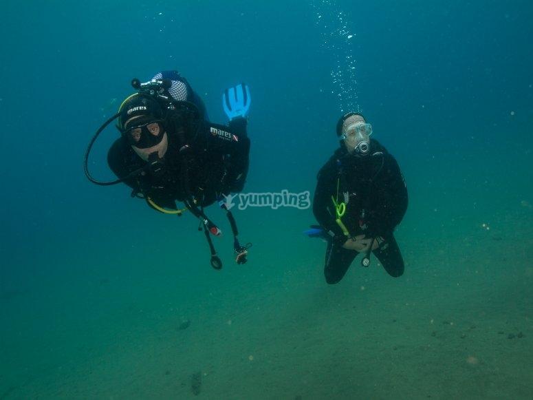 探索岛上的海底