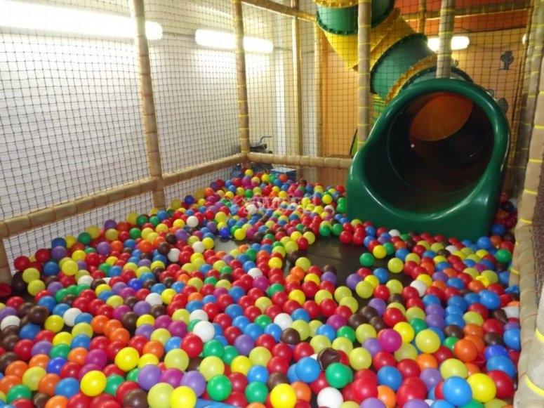 Slide and balls pool