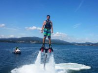 Flyboard experience by using a motorboat