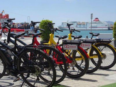 Guided tour in electric bike in Málaga 2 hours