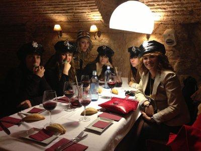 Cena espectáculo Karaoke Furor y 30 Copas Toledo