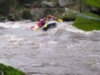 Desciende el rio abordo de estas balsas