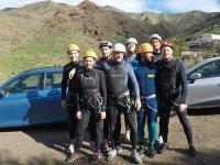 Grupo de barranquismo en Canarias