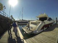 Subiendo al catamaran