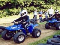 Varios quads en acción