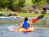 Compartiendo canoa entre dos