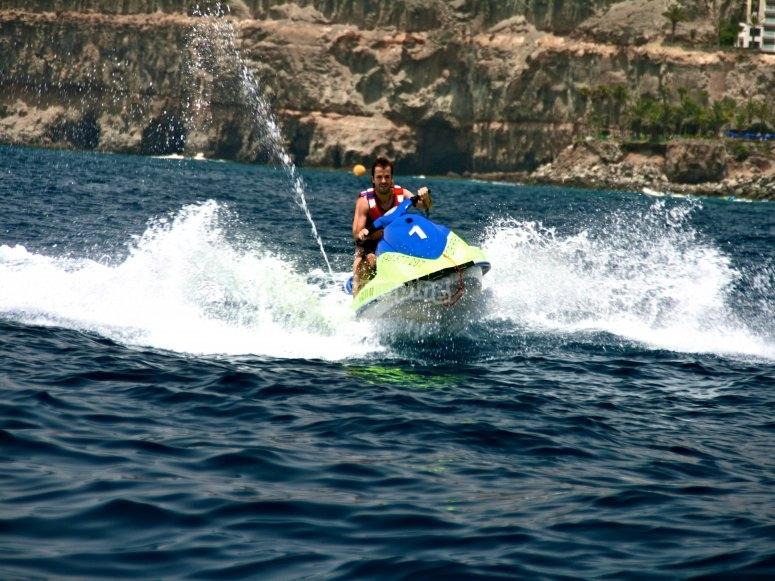 Jet skiing tour