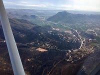 Admirando la orografía gallega desde la avioneta