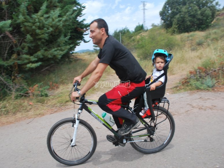 Bici y sillita infantil