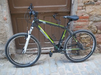 Bicycle rental for adults in Prades 1 day