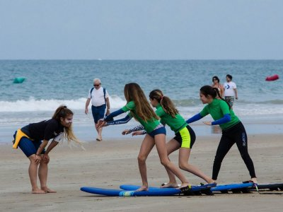 Curso de surf en Cádiz 90 minutos 5 días