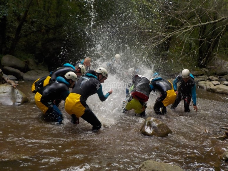 Canyoning descend