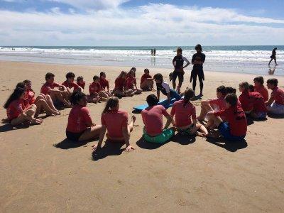 5 clases de surf y 2 entrenamientos funcionales