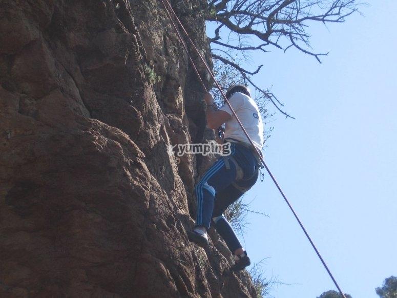 攀岩和速降