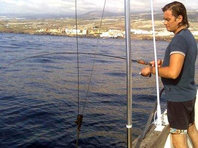 PuertoColón的私人捕鱼包船。 2小时