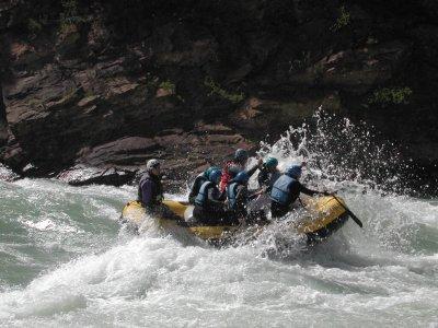 Rafting en el río Gállego solo familias. Adulto