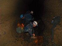 En la oscuridad de la cueva