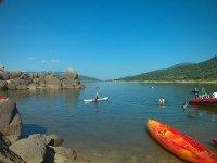 Kayaks en el embalse de El Burguillo