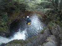 Saltando al rio