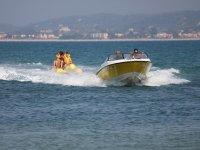 Viaje en banana boat Benidorm 15 minutos