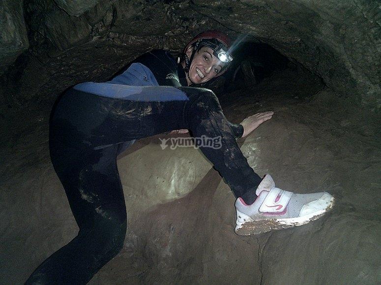 Sujetandose a las rocas subterraneas
