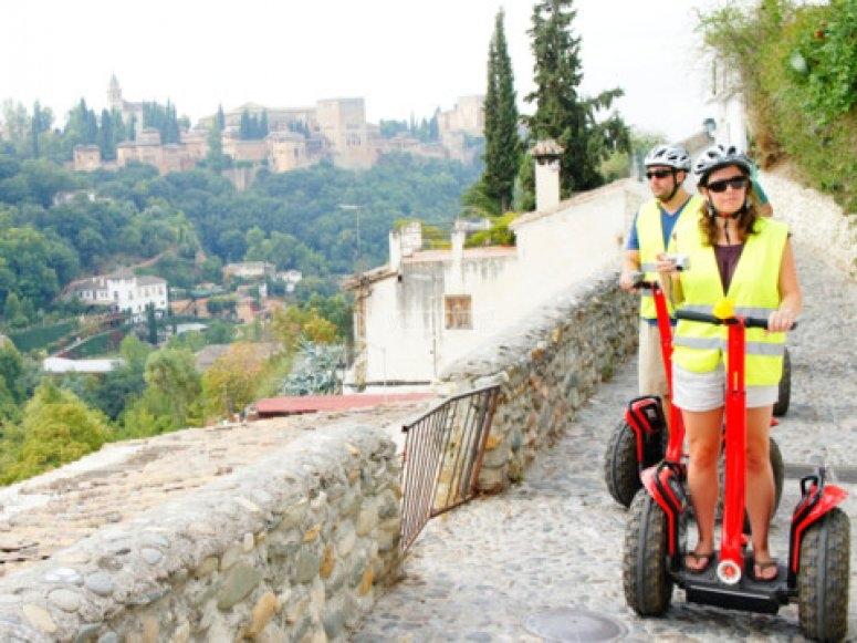 Paseando por Granada en segway