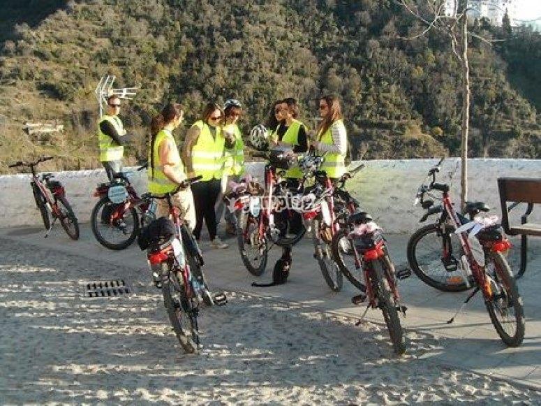 Percorri Granada in bici elettrica
