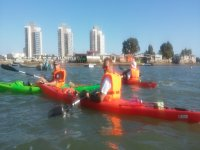Descansando gaditanas水域加迪斯海岸