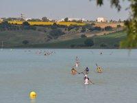 Prueba deportiva de kayak