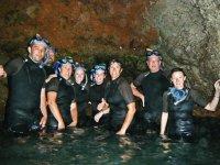 Snorkel en grupo en la gruta