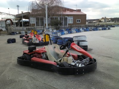 Lotto di 12 minuti di Karting Adulti Speedy Sport