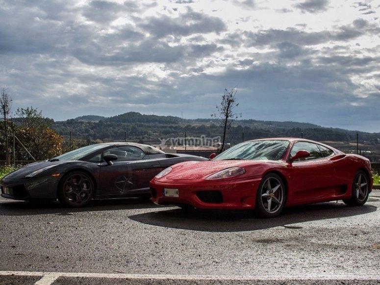 Ferraris aparcados