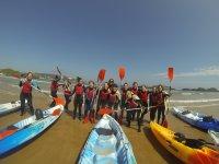 Grupo antes de partir con los kayaks