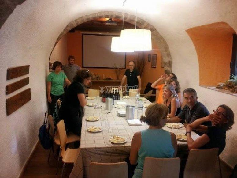 Cata de vinos y productos típicos