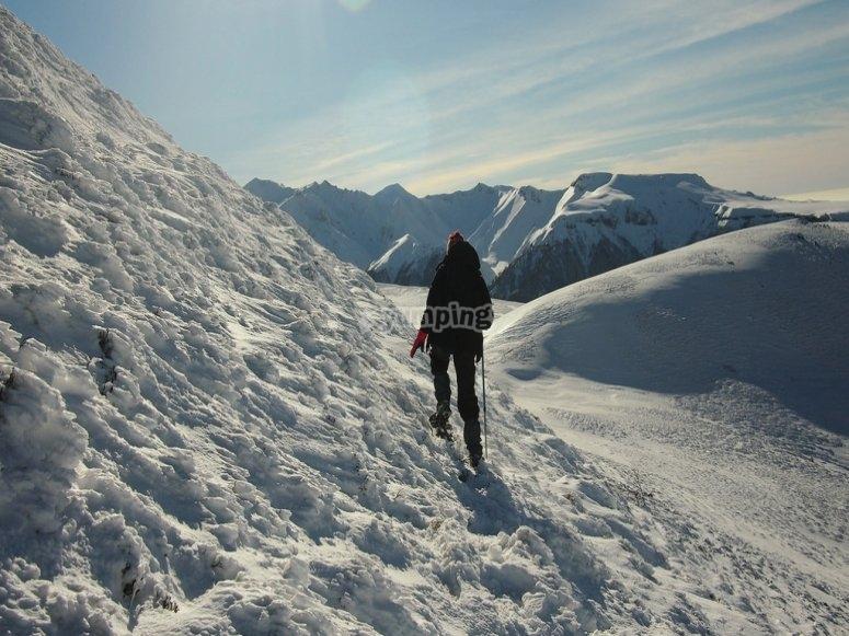 Paseando con raquetas de nieve por el Valle de Arán